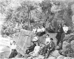 Tallulah_Gorge_group_on_outing-640x509